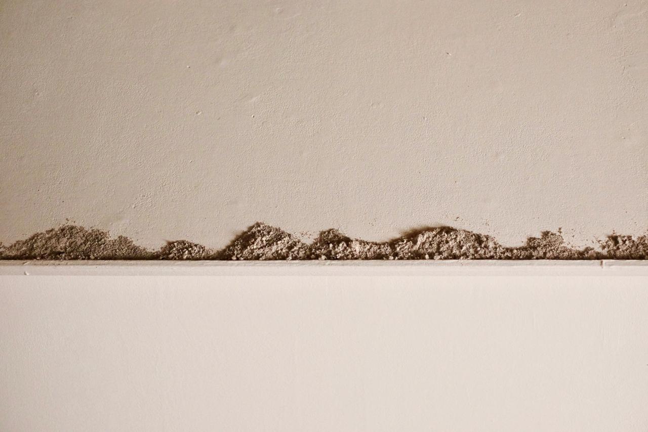 (Détail) Cendres. Petites perceptions, installation Centre d'Art contemorain du Luxembourg belge, 2019